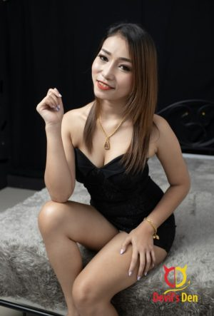 Dea sitting sexy