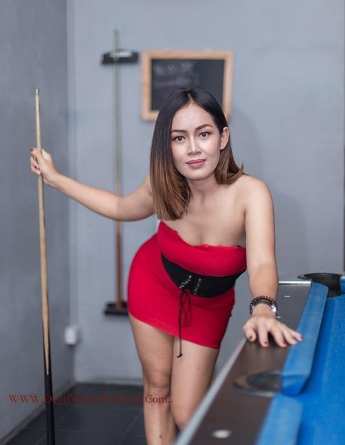 Eve playing pool