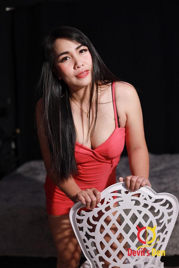 Luck Pattaya escort sitting