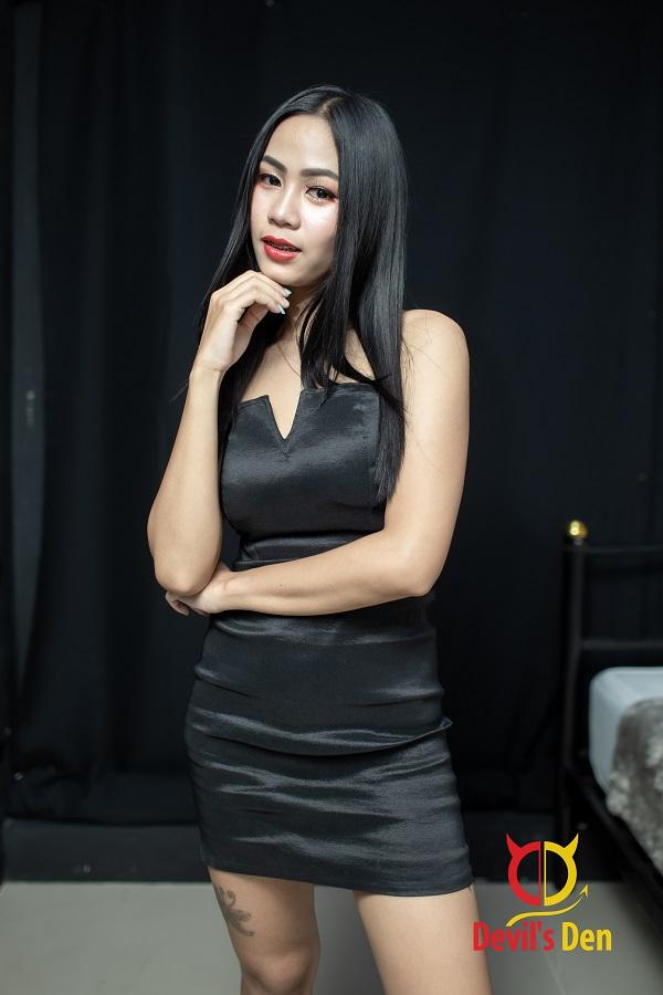 Pattaya escort Nat thinking