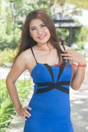 Paula in blue