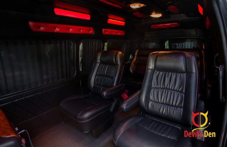 VIP Bus enter